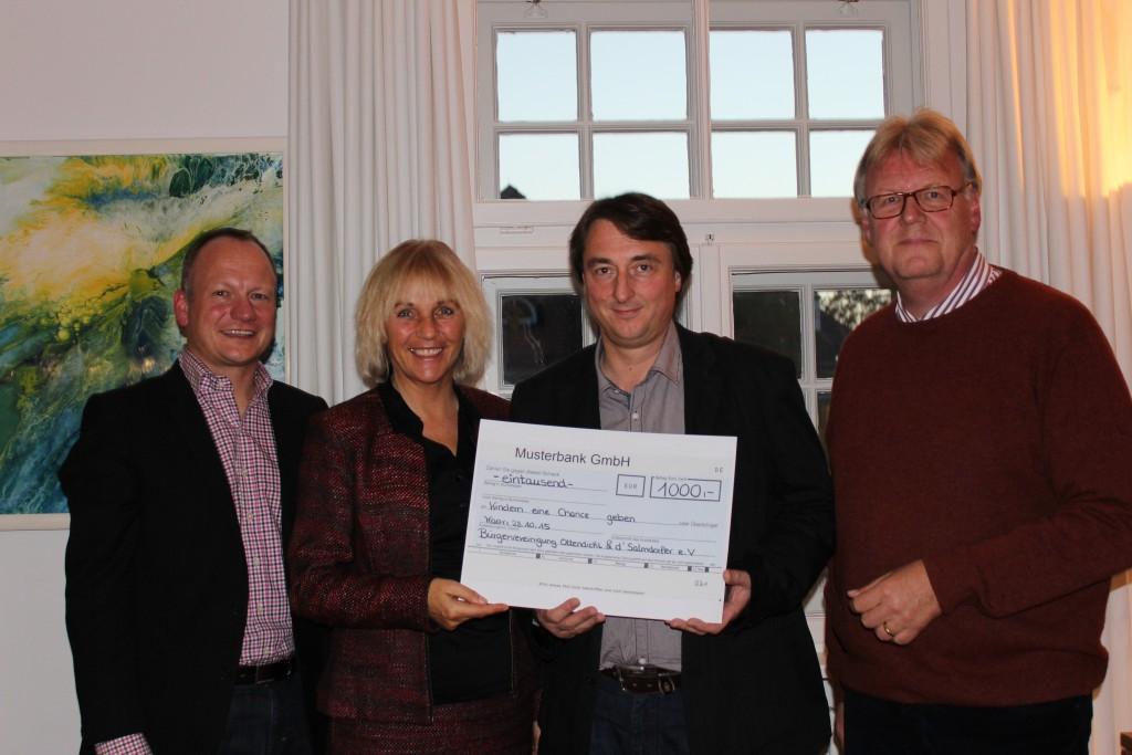 Ingo Gugisch, Bürgermeisterin Gabriele Müller, Martin Metzger und Ton van Lier